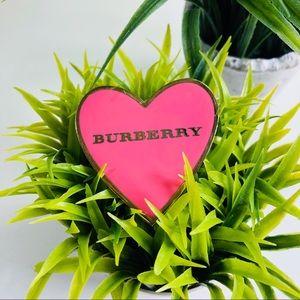 Burberry 2000's Hot Pink Retro Heart Pin Brooch 💗